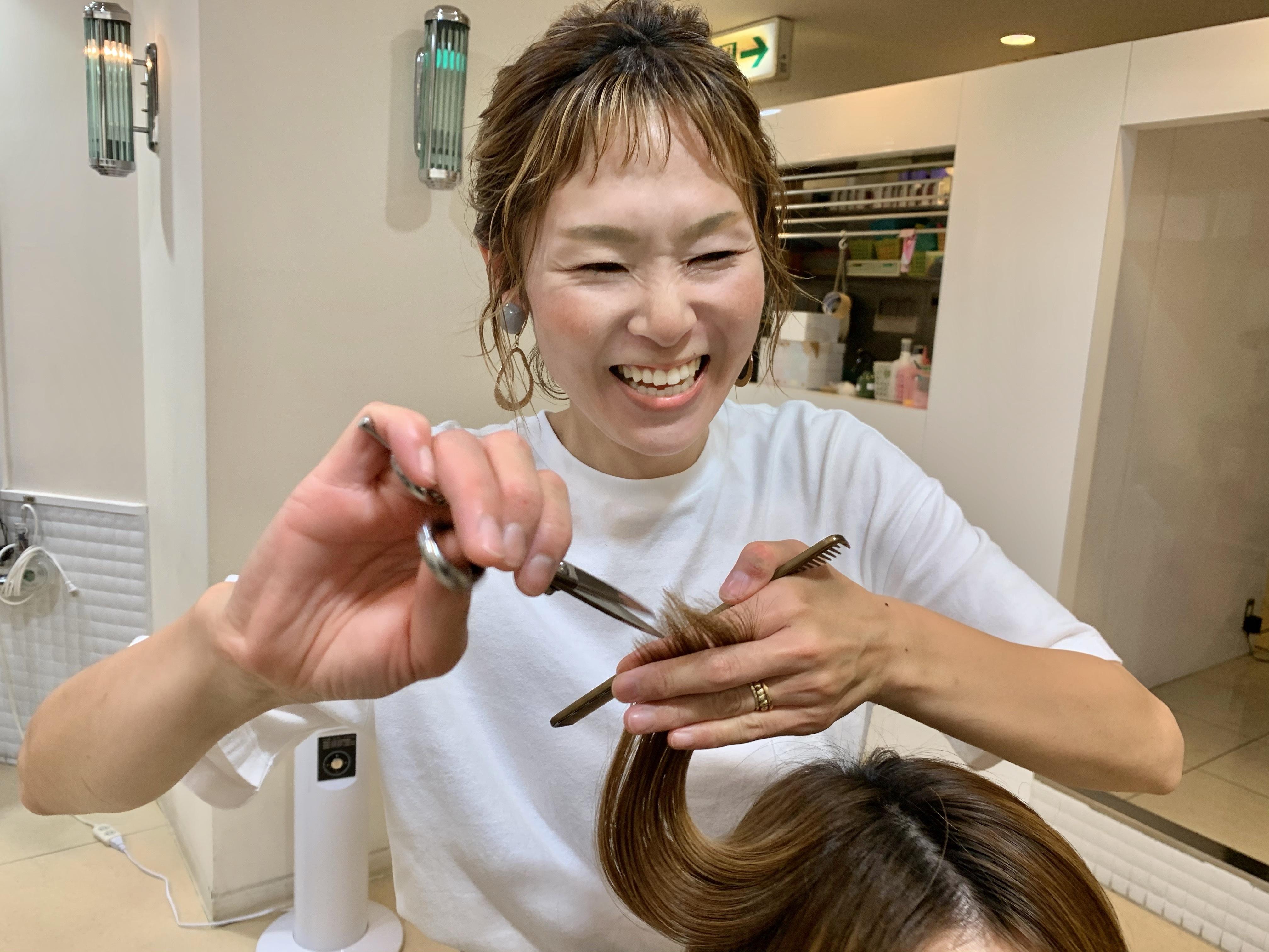 ママさん美容師活躍しています。