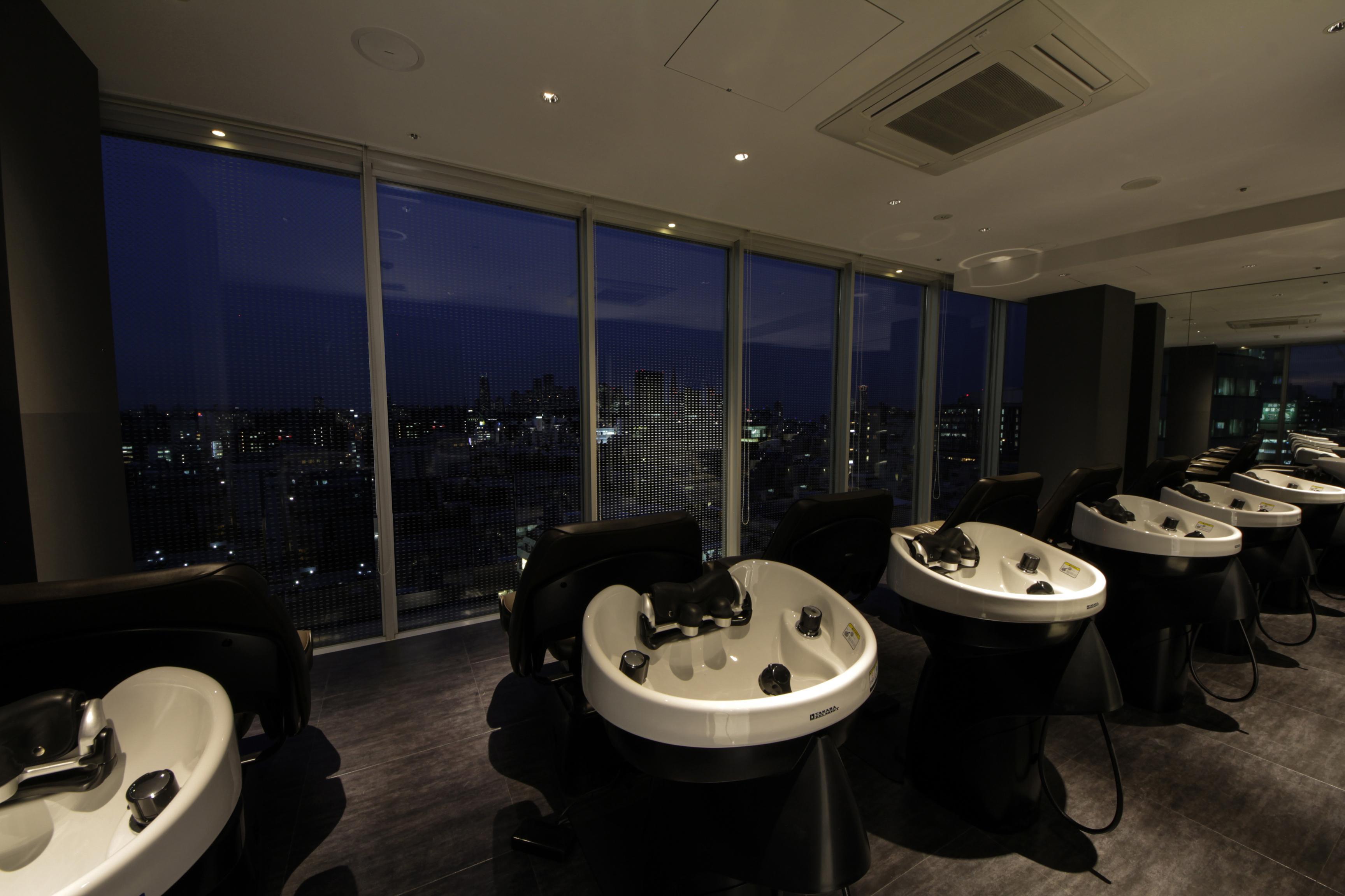 シャンプー台 …9Fから眺める景色・夜景は絶景!お客様からも大好評です。