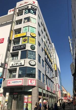 お店の入っているビル外観です。上野御徒町駅前徒歩0分です