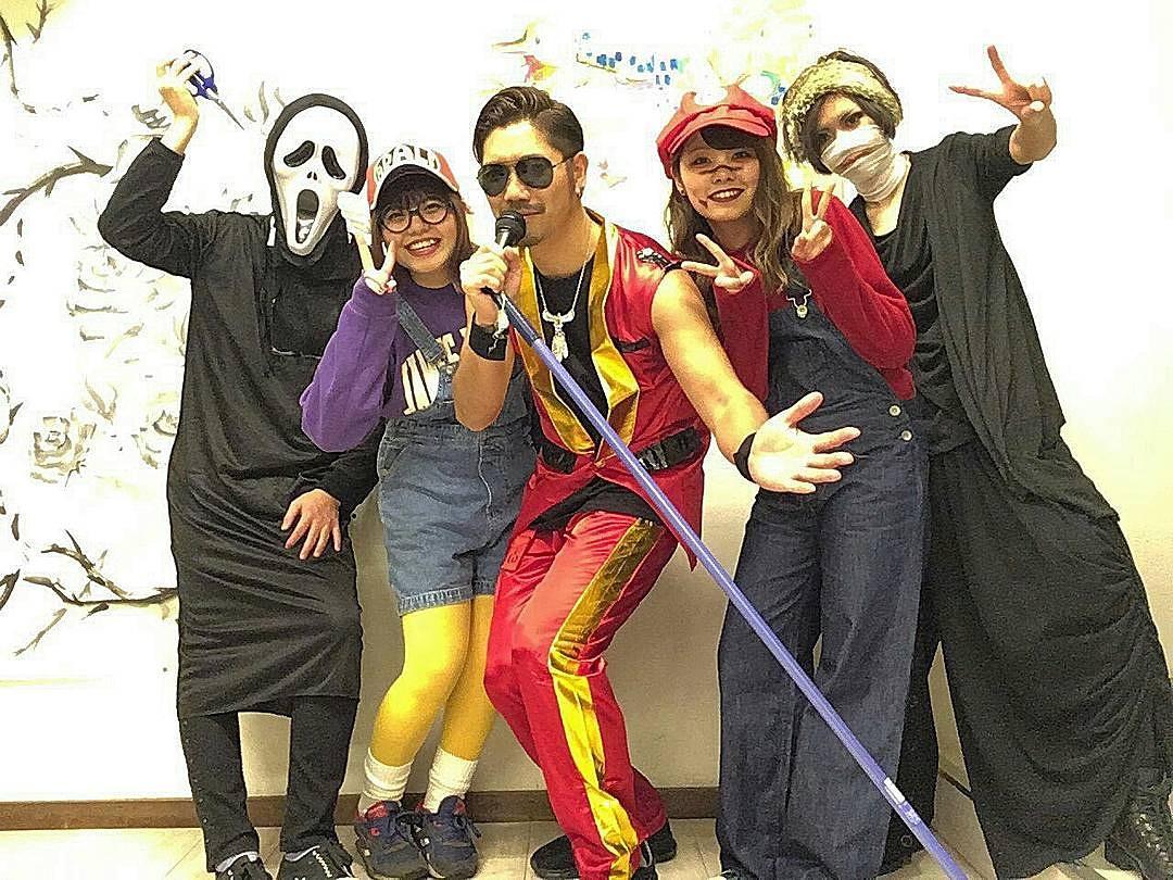ハロウィンは仮装大会。笑