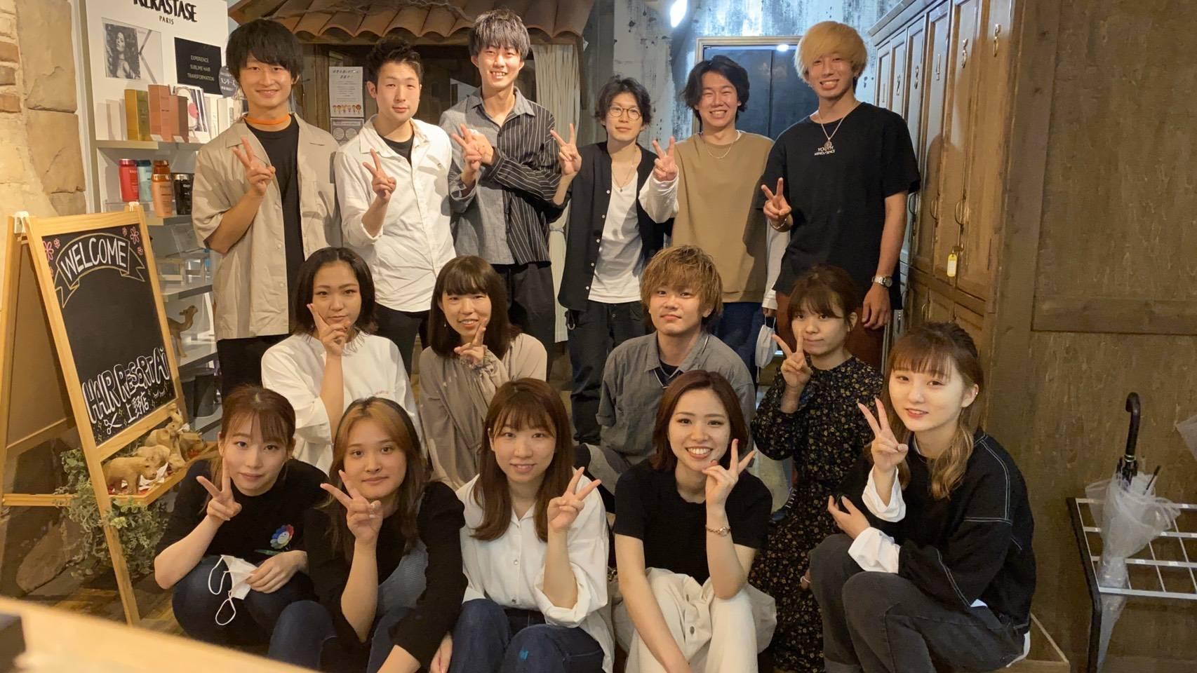 上野店集合写真です!
