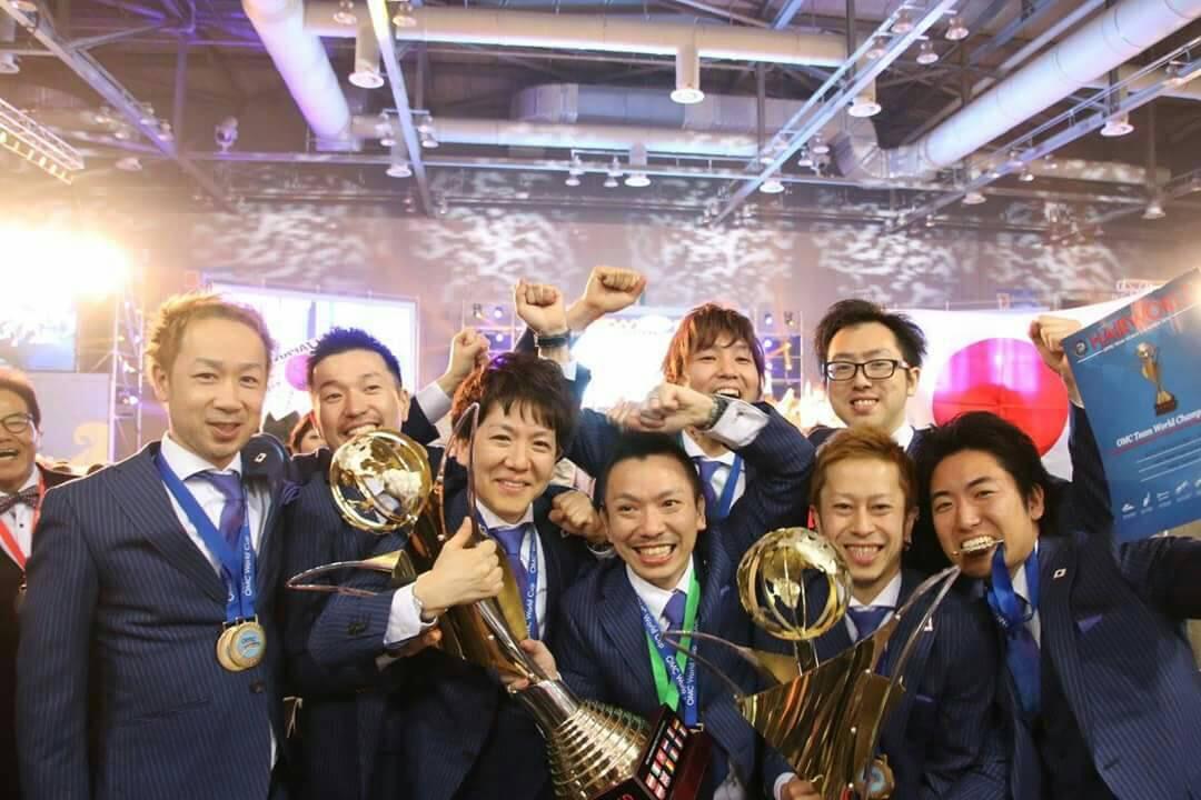 OMC世界大会にOBが出場、個人、日本が優勝した時の写真です