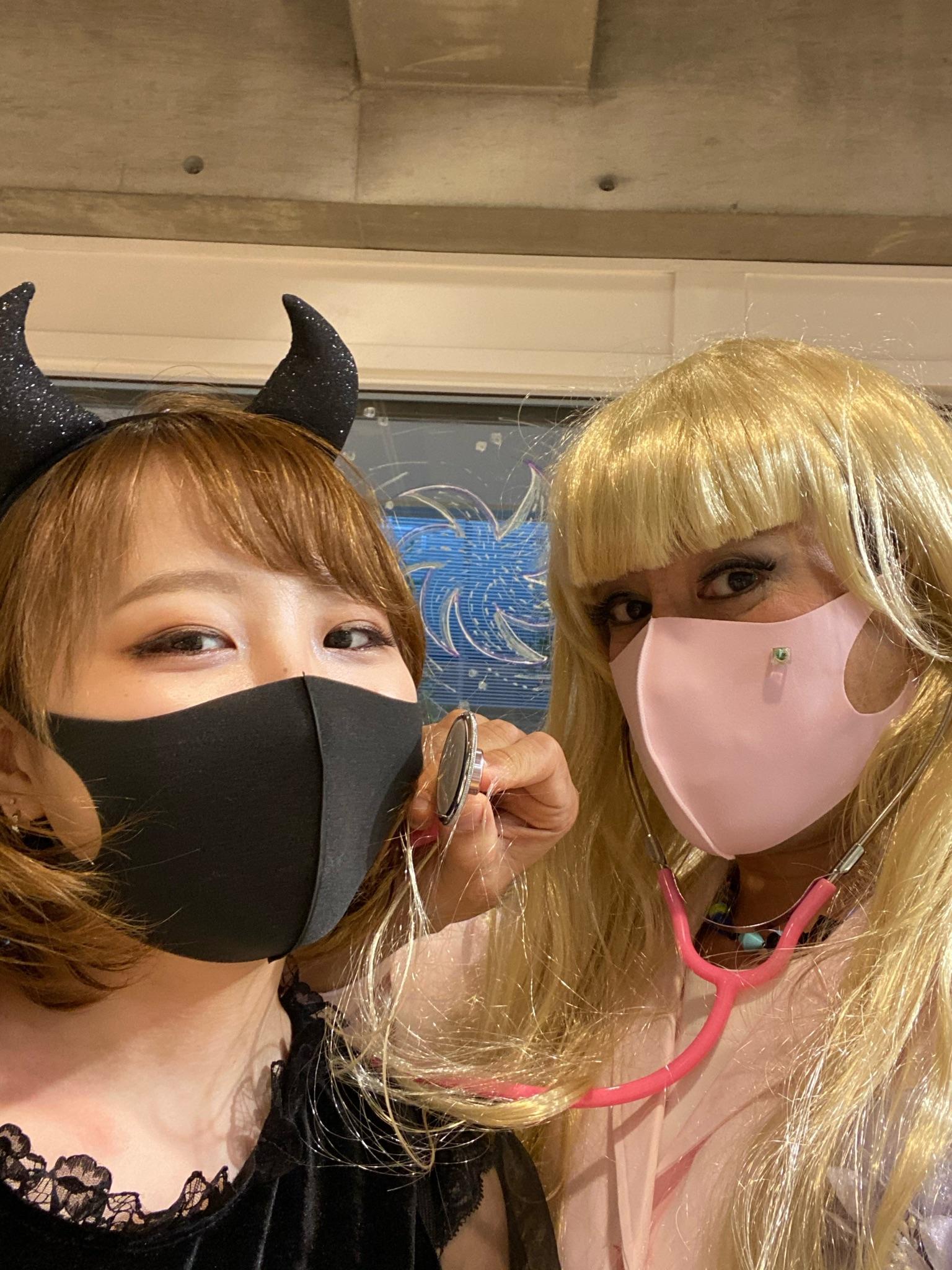 ハロウィンでの仮装営業