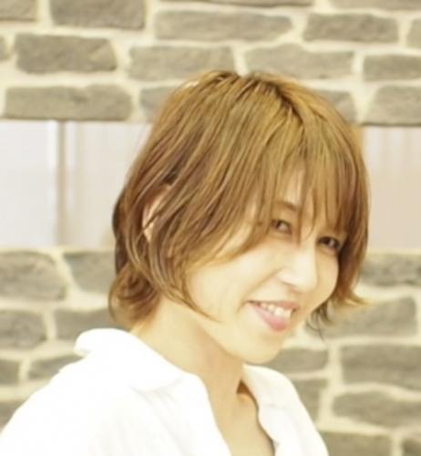 ハナミズキ店 店長 Chinatsu (窪田理容美容専門学校卒  勤続10年)