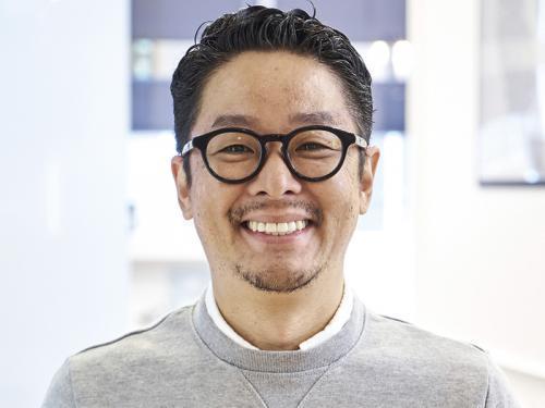 株式会社サラ 代表取締役社長 七種 丈
