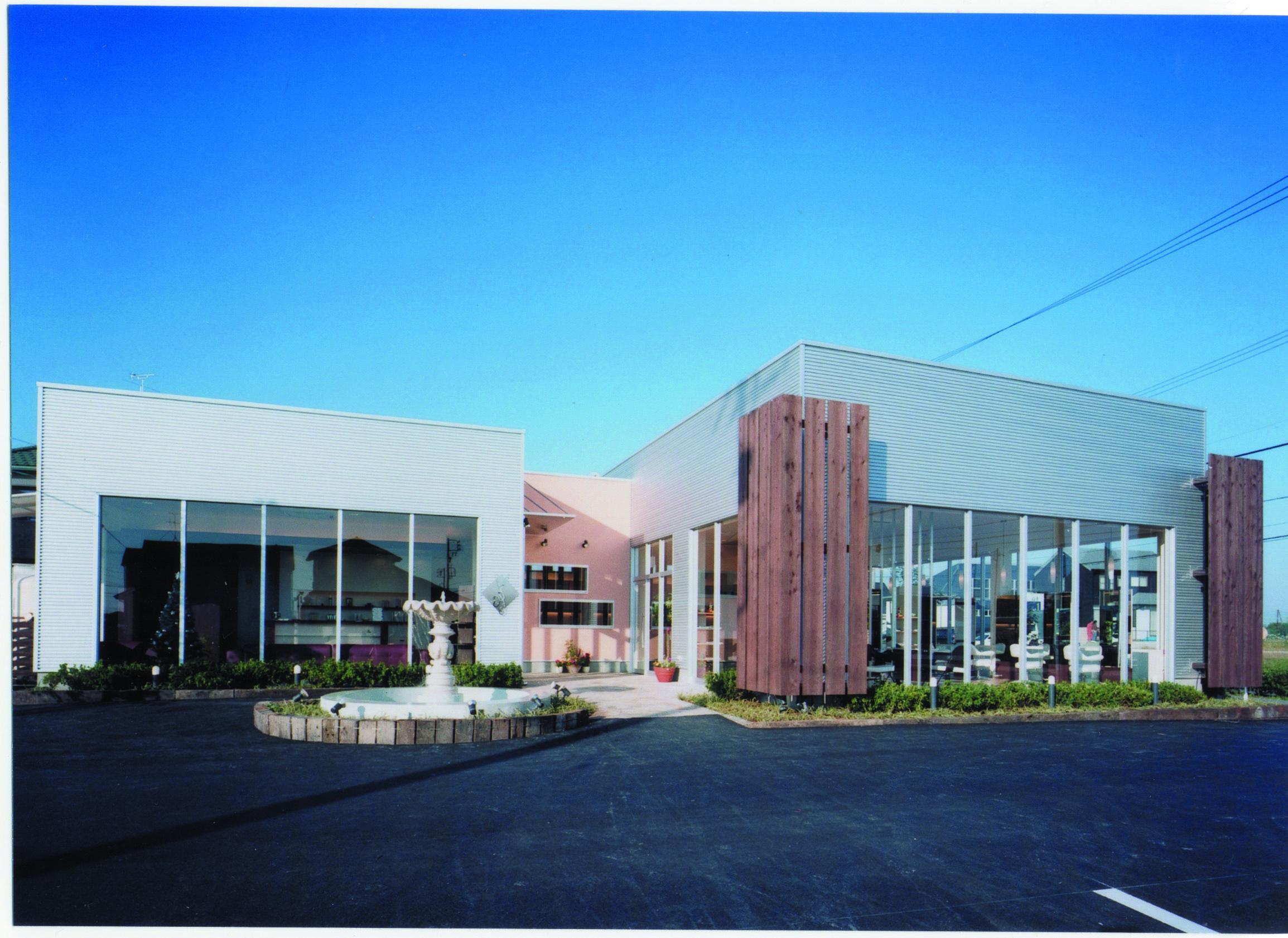 エマ スピリット(甚目寺店)エマ最大規模の大型店舗 052-442-1134